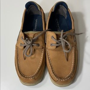 Sperry boys lanyard nubuck boat shoe